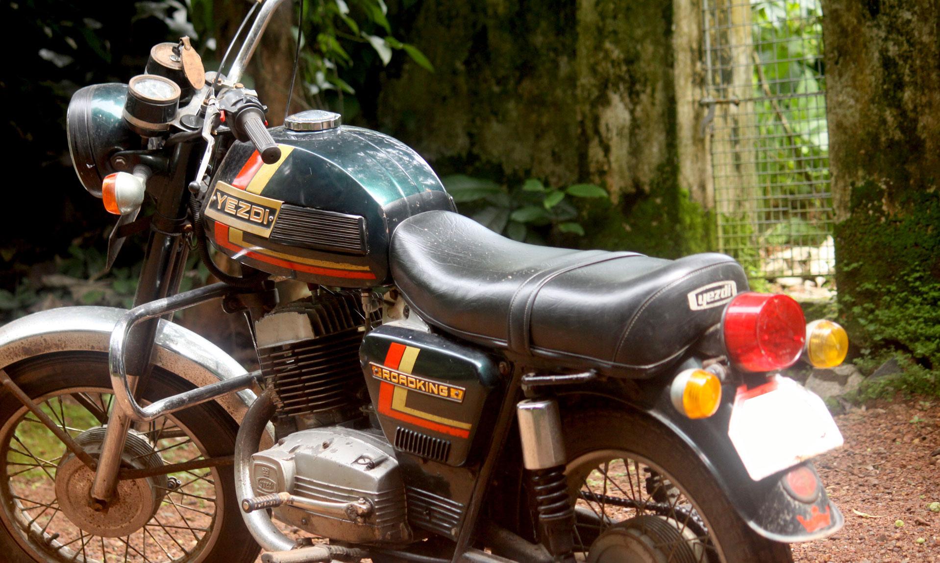 Kerala Vintage Vehicles - Old cars, bikes, trucks and buses